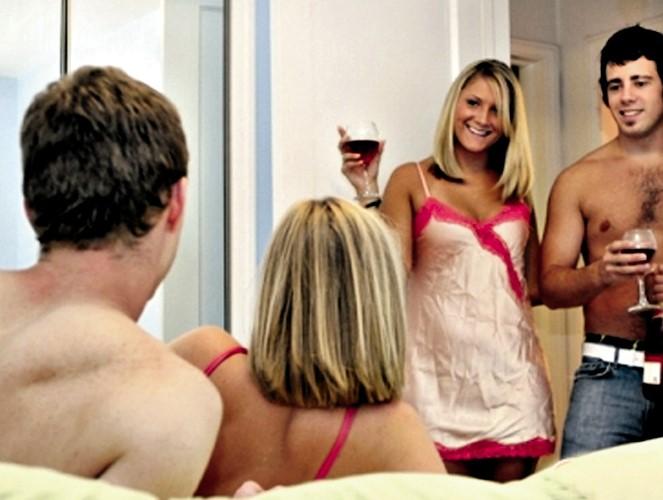 """""""¡Alrededor del cuerpo!"""": 7 historias francas sobre fiestas sexuales"""